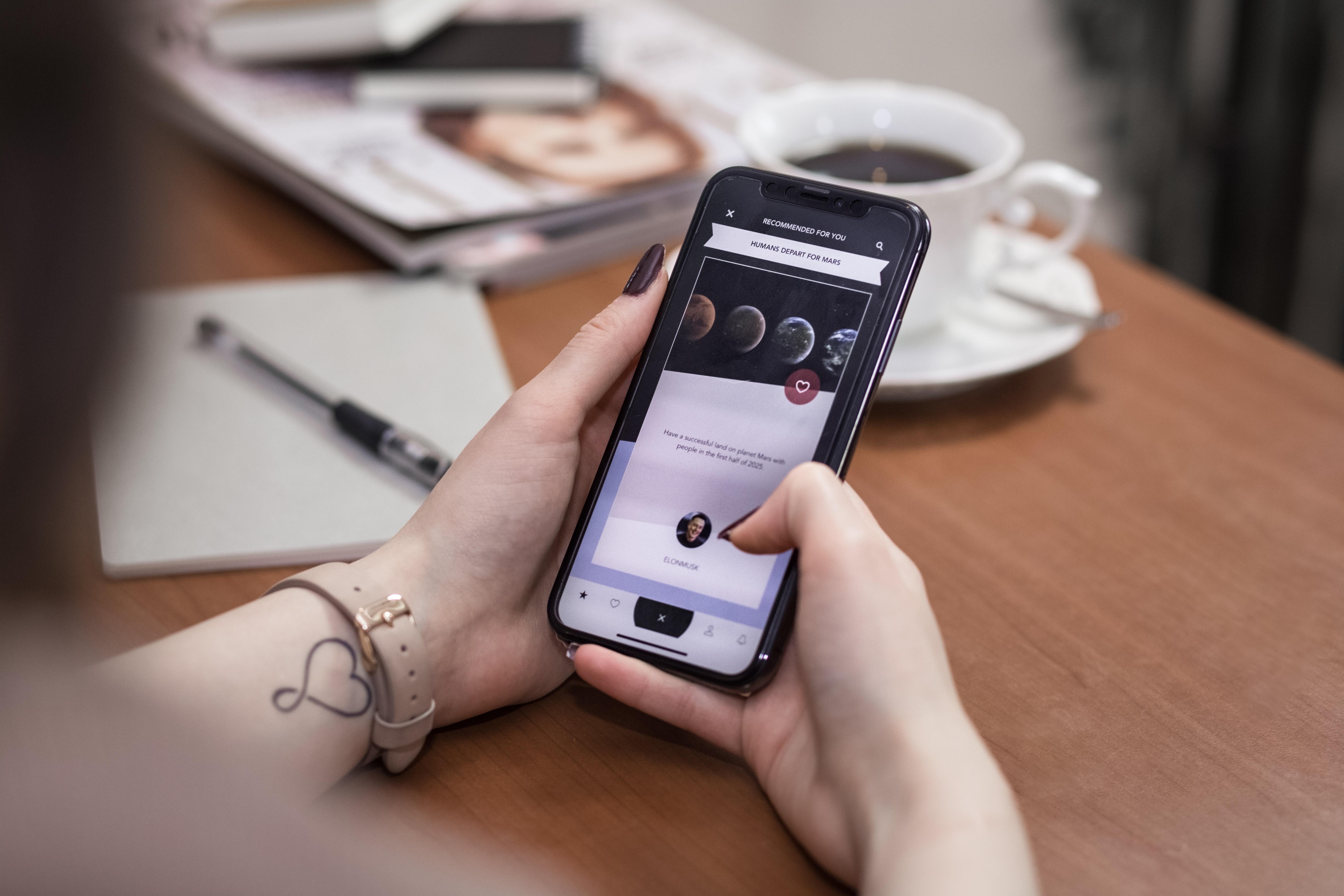 Apa Sih Maksud Dan Arti Poni Atau Notch Pada iPhone X?